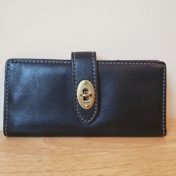 Fossil Leather Turn Lock Wallet